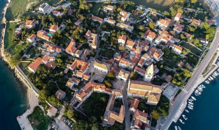 P O Z I V   za prijavu programa/projekata namijenjenih zadovoljavanju javnih potreba u društvenim djelatnostima Grada Malog Lošinja za 2019. godinu